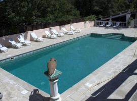 La Cadière, hotel near Pont Royal International Golf Course, Lauris