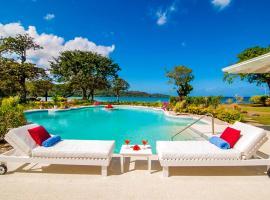 Unity Hall Villa Sleeps 10 with Pool and Air Con, villa in Montego Bay