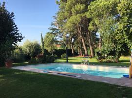 Terrerosse Estate - Pool and Garden 10 km from Rimini, holiday home in Rimini