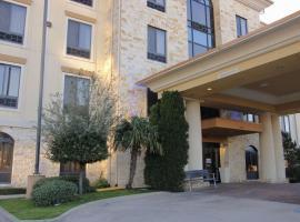 Comfort Inn & Suites Dallas Medical-Market Center, hotel near Dallas Love Field Airport - DAL, Dallas