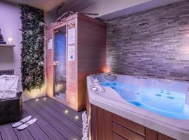 Suite Romantique Sauna et Jacuzzi, hotel with jacuzzis in Narbonne