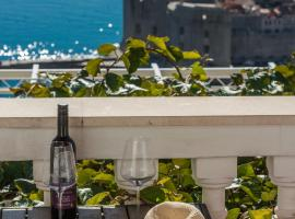 Amazing view Apartment and Rooms Dragan, hotel in Dubrovnik