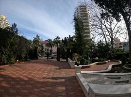 Квартира на берегу моря, hotel with jacuzzis in Sochi