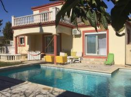 Superb modern villa 160m2 with garden and pool, holiday home in Montpellier