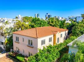 The Ultimate Historic Pool Villa in South Beach, Ferienunterkunft in Miami Beach