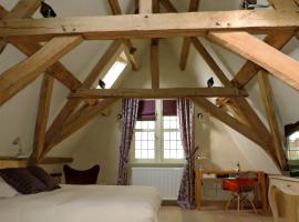 B&B Saint-Sauveur Bruges, budget hotel in Bruges