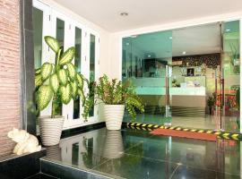 14 Place Sukhumvit Suites, serviced apartment in Bangkok