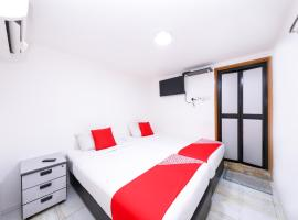 OYO 334 Everest Hotel, hotel near Petaling Street, Kuala Lumpur