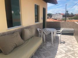 Casa na Praia de Barra do Gil, family hotel in Vera Cruz de Itaparica