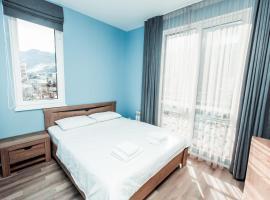 Красная Поляна -Однокомнатная квартира с удобствами., hotel near Krasnaya Polyana Ski Resort, Estosadok