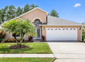 Magnolia Sunrise -Delightful Family Villa - South Facing Pool - Games Room - Prime Location, hotel in Orlando
