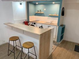 Joli appartement refait à neuf - centre historique - WiFi, hotel near Musee International de la Parfumerie, Grasse