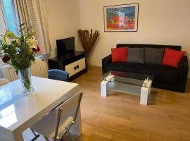Nice Flat 5 min walking from the sea, apartment in Nice