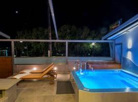 FAMILY luxury apartment, hotel with pools in Chania Town