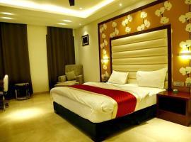 C-Pearls Hotel & Banquet, budget hotel in New Delhi