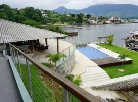 Condominio Pier 103, hotel with pools in Angra dos Reis