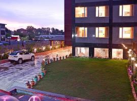 OPERA INN, hotel near Srinagar Airport - SXR, Srinagar