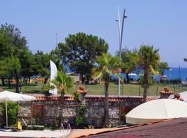 Beldibi Venus Beach Hotel, hotel dicht bij: Luchthaven Gazipasa - GZP, Beldibi