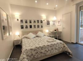 Luxury House Love, hotel in Milan