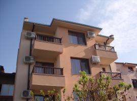 Family Hotel Malibu, отель в Черноморце