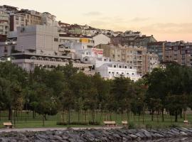Ramada by Wyndham Istanbul Golden Horn, hotel in Istanbul