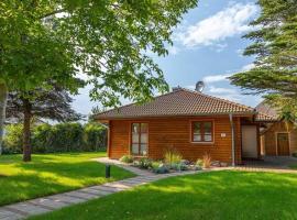 Holzkate, villa in Born