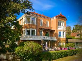 Villa Elisa M、オーブナのホテル