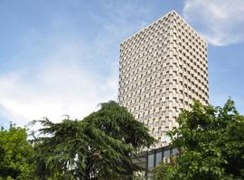 Maritim Hotel Plaza Tirana, hotel en Tirana