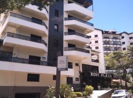 Rovi Plaza Hotel, hotel perto de Pico do Fonseca, Serra Negra