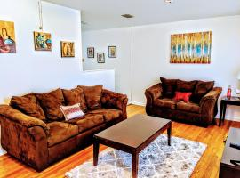 Medical Center-5 mins Ez- access to Alamo-Dtwn Plza -Zoo-North Star Mall, vacation home in San Antonio