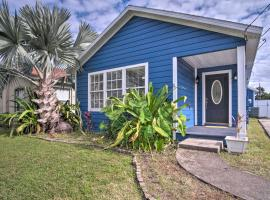 Pet-Friendly Home with Yard, 10 Mi to Universal, holiday home in Orlando