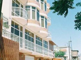Nur Hotel 1, hotel perto de Centro cultural Heydar Aliyev, Baku
