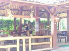 Kali Catur Resort, hotel in Madiun
