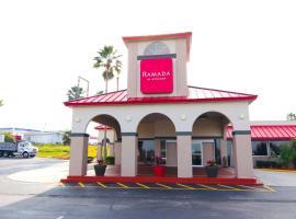 Ramada by Wyndham Davenport Orlando South, hotel in Davenport