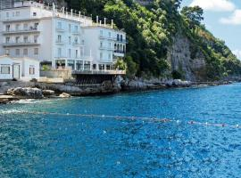 Hotel Admiral, beach hotel in Sorrento