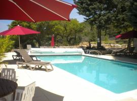 Le Mas Saint Donat, hotel near Beauvallon Golf, Sainte-Maxime