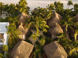 Encantada Tulum, hotel in Tulum