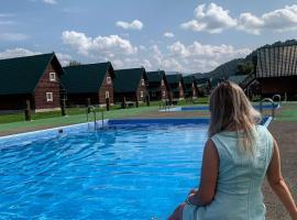 Медвежий Угол Алтай, отель в Ае, рядом находится Озеро Ая
