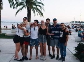 Booze & Snooze, hotel in Split