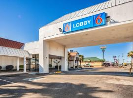 Motel 6-Florence, SC, hotel in Florence
