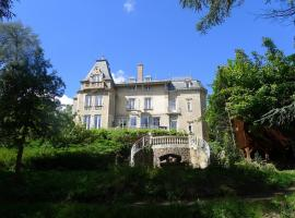 Le Manoir, vacation home in Tarare