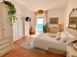 Hotel Villa Bina, hotel near Sorgeto Hot Spring Bay, Ischia