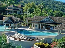 Silent Waters Villa, villa in Montego Bay