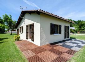 Beautiful house close to the ocean Gujan-Mestras, Ferienhaus in Gujan-Mestras