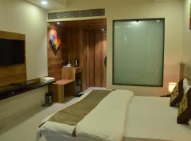 Hotel Sopan Heights, room in New Delhi