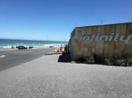 Infinity self catering accommodation, apartment in Cape Town