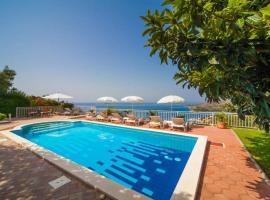 Prestige Villa Diamond View, villa in Mlini