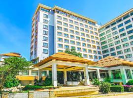 K Park Grand Hotel, hotel in Suratthani
