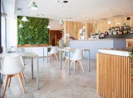 Plaza Alaquas, hotel near Valencia Airport - VLC,