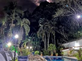 Hostel Trópico de Capricórnio - Vermelha do Centro, glamping site in Ubatuba